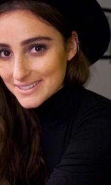 Tamsioji gėlė Jillian Rose Banks – kelias sekmės link